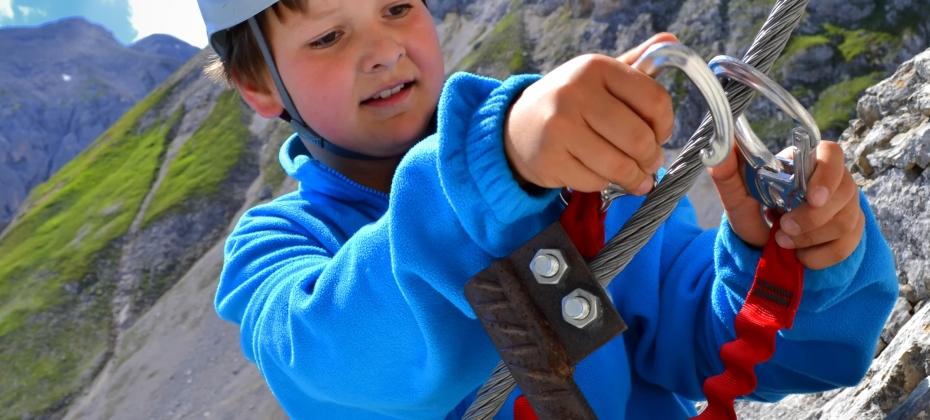 Ubungsklettersteig fur Erwachsene und Kinder befindet sich 5 min. von der Hutte entfernt-